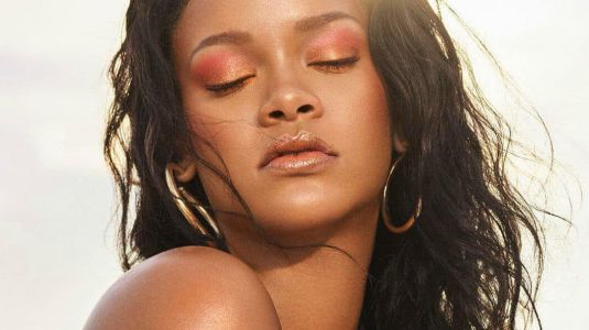 11 Subtle, Non-Sticky Body Highlighters and Luminizers to Try This Summer