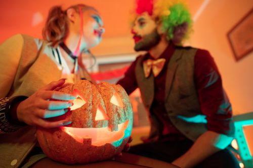 Halloween 2020 Will Be The Most Romantic For These 2 Zodiac Signs