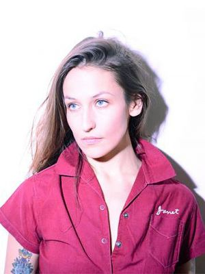 Indie Music Babe Domino Kirke Tells Us Her Entire Summer Beauty Routine