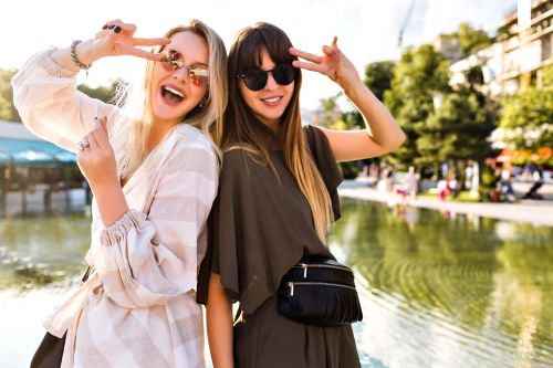 10 Things Best Friends Have In Common That Explain Why You're The Forever Type