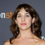 Actress Lola Kirke Receives Death Threats For Not Shaving Her Armpits