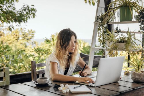 Millennials Who Work From Home: Start These 5 Traditions With Yourself ASAP