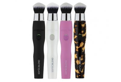 This Supercharged Makeup Brush Transforms Foundation ApplicationThis Supercharged Makeup Brush Transforms How You Apply Foundation