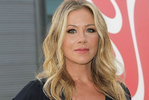 Actress Christina Applegate Removes Her Fallopian Tubes As an Attempt to Prevent Ovarian Cancer