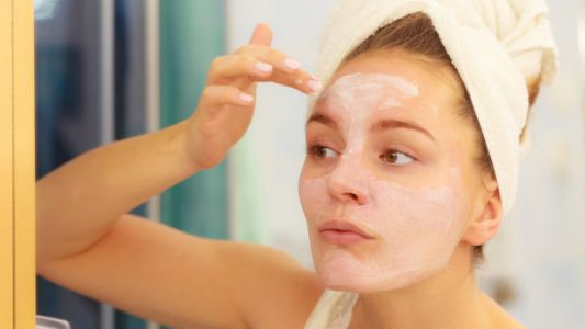 How Can You Protect Your Skin In Winter? 7 Dermatologist-Approved Tips