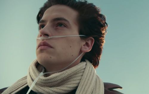 The Trailer For 'Five Feet Apart' Is Guaranteed To Make You Cry