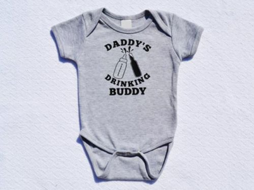 15 Hysterical Baby Onesies For Your Mini Me