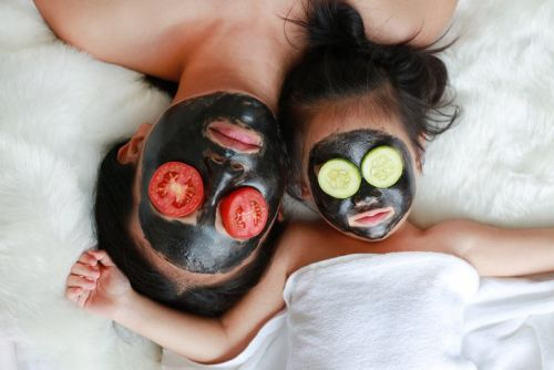 Say Bye-Bye To Blackheads With This DIY Charcoal Face Mask