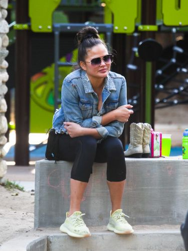 Chrissy Teigen's Instagram About The Toll Of Pregnancy Loss Is A Tough Read