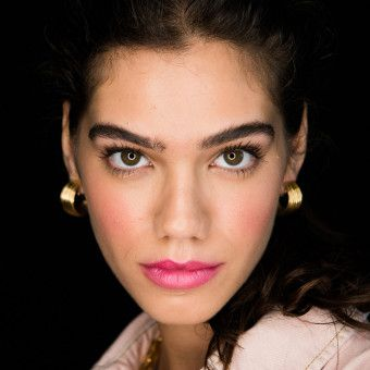 How-To Beauty: The Prettiest Pearlescent Pink Lip Stain