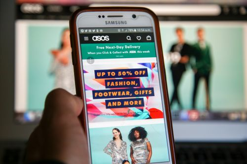 ASOS' Black Friday 2020 Sale Includes 70% Off TONS Of Items