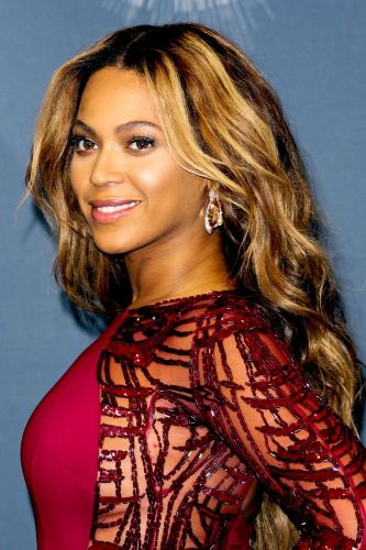 11 Celebrities With the Most Stunning Balayage Hair Colors
