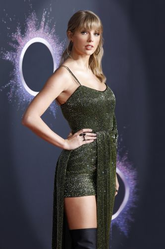 Does Taylor Swift Have Tattoos? Here's The Real Deal