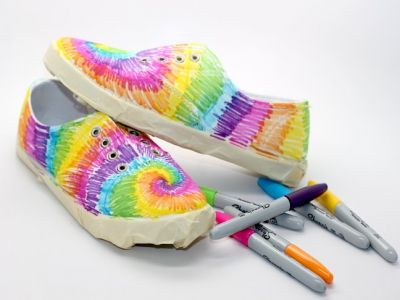 How To Make Tie Dye Sneakers With Sharpies