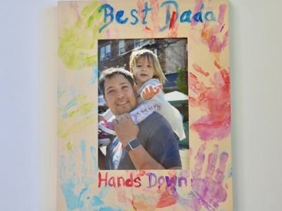 This DIY Handprint Frame Is The Easiest Father's Day Gift