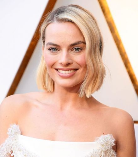 Watch: Hairstylist Bryce Scarlett Recreates Margot Robbie's Polished Oscar Waves
