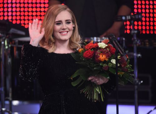 """Adele's """"Rolling In The Deep"""" Performance At Her Friend's Wedding Is Reception Goals"""