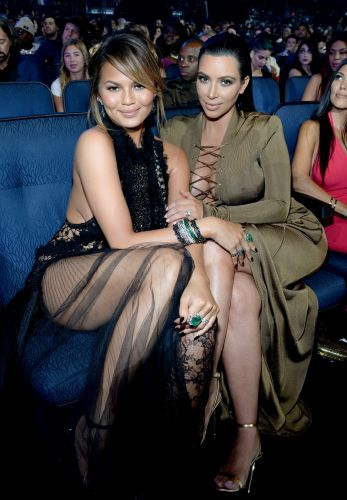 Chrissy Teigen's Quotes About Kim Kardashian & Kanye West's Divorce Are So Supportive
