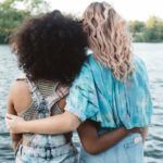 6 Ways To Comfort A Friend With Depression, According To Therapists