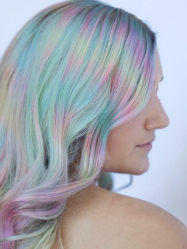 """""""Color Misting"""" Is the New Technique Behind This Mesmerizing Rainbow Hair"""
