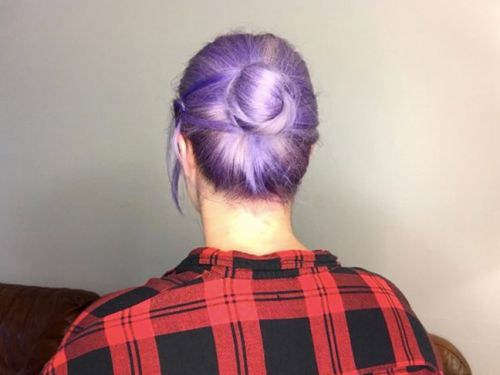 A Quick and Easy Updo for Busy Fall Mornings