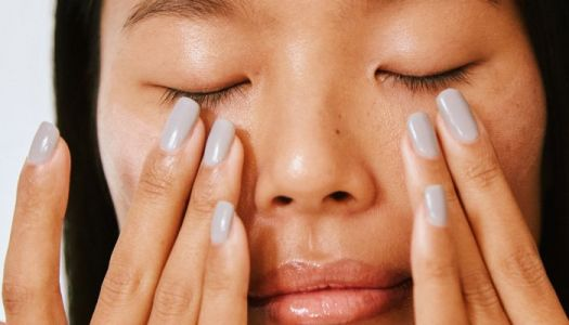 Spring Allergies Drying Your Eyes Out? 4 Ways To Help, From A Functional Eye Doc