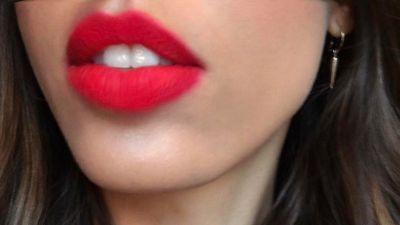 How to Master the Blurred-Edge Lipstick Trend