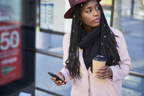 8 Tips For Reducing Anxiety While Texting Your Crush, According To Therapists
