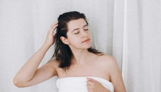 We've Been Wondering When You're Actually Supposed To Detangle Your Hair
