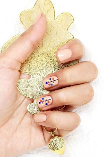 9 Christmas Nail Designs That Are Surprisingly Understated