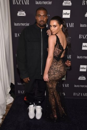 Kim Kardashian & Kanye West's Body Language Reveals Some Interesting Things About Their Relationship