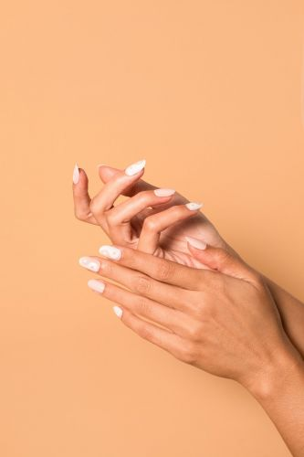 The Best Press-On Nails For At-Home Manis That Are Easy To Apply & Easy To Remove