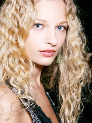 5 Genius Styling Tricks Top Hairdressers Know