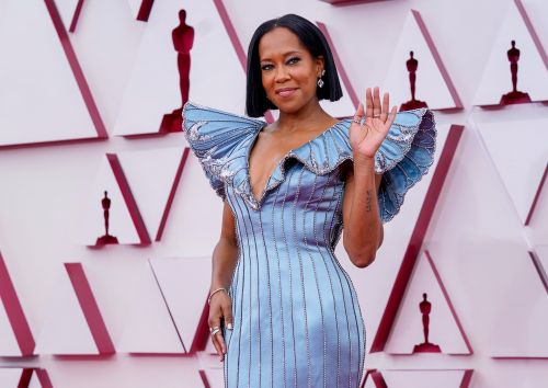 These Tweets About Regina King's 2021 Oscars Opening Prove She's A Queen
