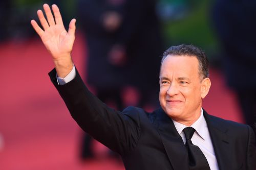 The Tweets About Tom Hanks At Joe Biden's 2021 Inauguration Event Love His Dad Vibes