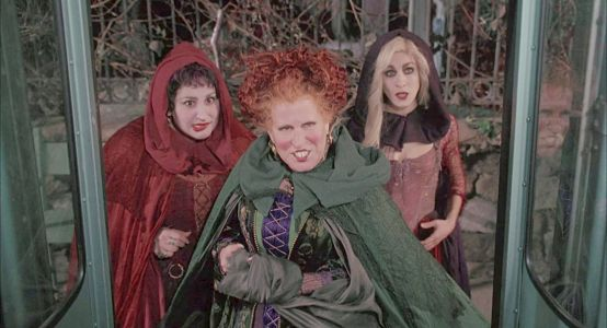 Sarah Jessica Parker's Update On A 'Hocus Pocus' Sequel Will Enchant Fans