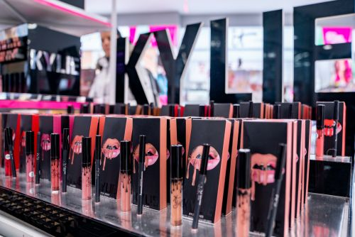 The 5 Best Things To Buy During Kylie Cosmetics' 12 Days Of Christmas Deals Will Get You Excited For More Sales