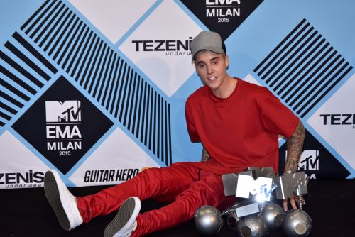 Justin Bieber's Response To Taylor Swift's Label Drama Makes His Feelings Clear