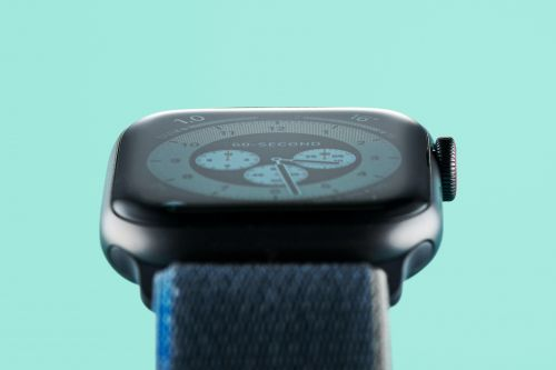 Why Can't I Unlock My Apple Watch? This iOS 14.7 Bug May Be To Blame