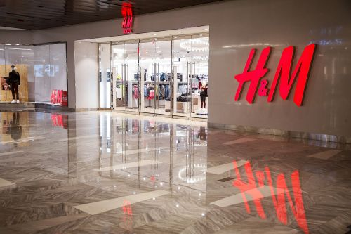H&M's Black Friday 2020 Sale Includes A Cool 30% Off The Entire Site