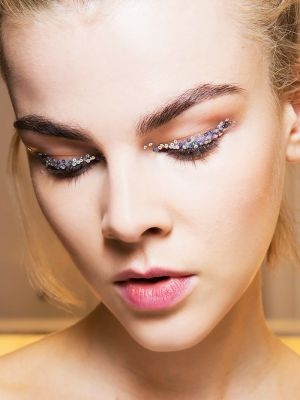 Top Makeup Artists Share How to Get Glitter Lids Without the Mess