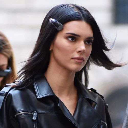 This '90s Hair Accessory Is Officially Spring 2019's Biggest Trend