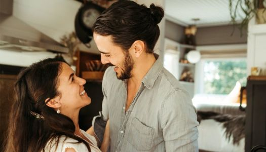 Is Love At First Sight Real? We Asked Marriage Therapists To Weigh In