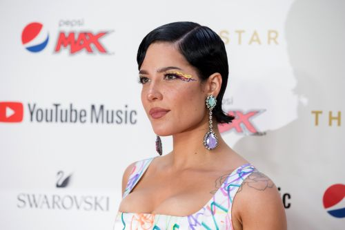 Halsey Shaved Her Head & The New Look Has Everyone Buzzing