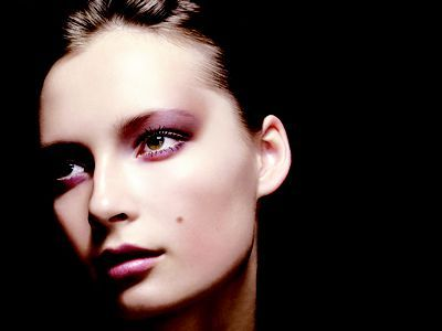 A Shockingly Gruesome History of Beauty Marks, Real and Fake