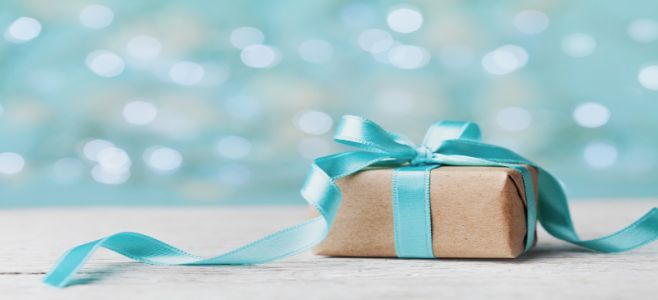 Dr. Axe's Healthy Holiday Gift Guide
